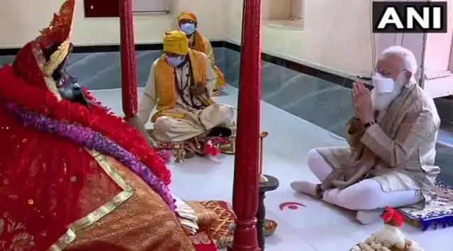 बांग्लादेश दौरे के आखिरी दिन पर पीएम मोदी ने जशोरेश्वरी मंदिर के दर्शन किए, कोरोना काल से मांगी मुक्ति